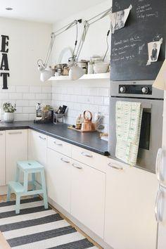 Keittön laatoitus, avohylly ja matto