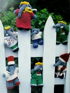 Babar Elephant Puppet Dolls DK Height: 5 ins 13 cm Crochet Yarn, Crochet Hooks, Free Crochet, Vintage Knitting, Elephant, Diy Toys, Vintage Patterns, Puppets, Babar