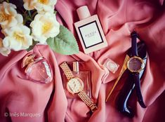 Absolute essentials: perfume and watches. Love them. Morning rituals. Beauty essentials. Beauty flatlay. Fashion flatlay. Fashion Flatlay, Morning Ritual, Flatlay Styling, Beauty Essentials, Girls Best Friend, Perfume, Trending Outfits, Watches, Unique Jewelry