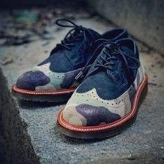Dr Martens Ronnie Fieg - les chaussures Brogues camouflage