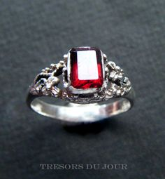Vintage Garnet Ring Sterling Silver Filigree ring with emerald cut garnet.  by TresorsDuJour