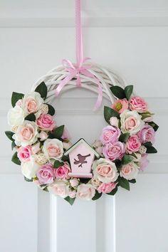 White grapevine wreath w roses Wreath Crafts, Diy Wreath, Flower Crafts, Tulle Wreath, Grapevine Wreath, Floral Wreath, Easter Wreaths, Holiday Wreaths, Summer Crafts