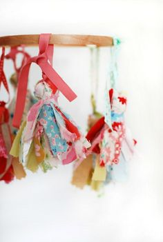 Make Me: Pretty Scrap Fabric Tassels for Christmas tree decorations. Not breakable and kid friendly for all those grabbing hands