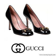 cb373268fb6 Gucci Black Patent Leather Jolene Mid Heel Pumps Crown Princess Victoria
