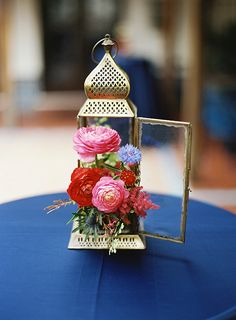 We've been seeing some gorgeous finds lately for Moroccan wedding inspiration Lantern Centerpiece Wedding, Wedding Lanterns, Floral Centerpieces, Wedding Centerpieces, Floral Arrangements, Wedding Decorations, Centrepieces, Morrocan Theme, Moroccan Party