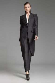 Donna Karan Pre-Fall 2012 Collection Slideshow on Style.com