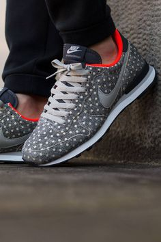 "Nike Spring/Summer 2015 ""Polka Dot"" Pack"