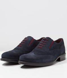 Pantofi Eleganti Geox Barbati Piele Intoarsa   Cea mai buna oferta Men Dress, Dress Shoes, Mai, Oxford Shoes, Lace Up, Fashion, Moda, Fashion Styles, Fashion Illustrations