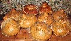 Warto spróbować żurku podanego w chlebie, który sami możemy przygotować. Hot Dog, Muffin, Potatoes, Bread, Vegetables, Breakfast, Food, Easter Activities, Morning Coffee