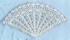 Wedding Shell Fan free/advanced pattern. This is lovely and can also be decorated to match the bridal colours.
