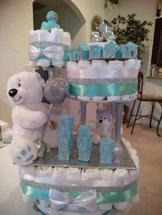 Looking for baby shower gift ideas? We have a pick of personalised baby shower gifts right here to help you out in finding the perfect present! Deco Baby Shower, Baby Shower Baskets, Fiesta Baby Shower, Baby Shower Crafts, Baby Shower Gifts For Boys, Baby Shower Diapers, Baby Boy Shower, Baby Showers, Baby Nappy Cakes