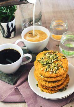 Kahvia & Kasvisruokaa: Bataattirieskat (Gf, V)