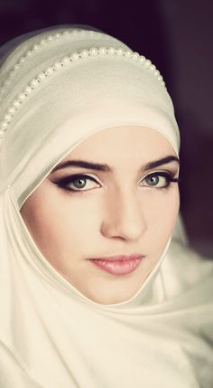 Bridal Hijabs for the Trendy Bride Muslim Brides, Muslim Girls, Muslim Women, Bridal Hijab, Wedding Hijab, Hijabs, Latest Summer Fashion, Hijab Tutorial, Hijab Dress