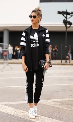 Theyre all wearing: calça jogging estilo street style adidas Sport Body, Sport Man, Sport Girl, Fitness Video, Sport Fitness, Sport Chic, Oufits Casual, Casual Outfits, Fashion Outfits