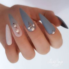 Beautiful nails by Ugly Duckling European Distributor and Family Member 😍Ugly Duckling Nails is dedicated to keeping love, support, and positivity flowing in our industry ❤️ Best Acrylic Nails, Matte Nails, Stiletto Nails, Coffin Nails, Pointed Nails, Nail Swag, Gorgeous Nails, Pretty Nails, Grey Nail Designs