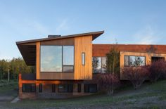 Jackson Hole, Wyoming modern by Stephen Dynia Architects. [from ArchDaily]