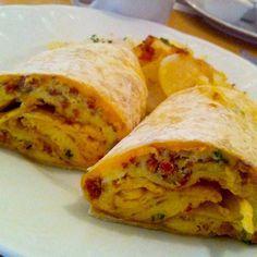 Obožavam meksičku hranu jer je brza i ukusna a tortilje su mi omiljena hrana. Isprobajte doručak na meksički način. Tortilje prepržiti u tavi s obje stran...