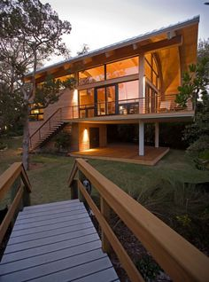 Wood Casey Key Guest House Design By Totems Architecture Home Architecture Design Images Wooden House Design, House Design Photos, Style At Home, Architecture Design, Surf House, Casas Containers, House In The Woods, Home Fashion, Future House