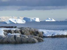 La Antártida está que arde: 198 grados   Se superó el récord de calor establecido hace 35 años.  La ONU anunció este miércoles un récord de calor en la región antártica 198 grados Celsius registrado hace 35 años.La comisión de climatología de la Organización Meteorológica Mundial (OMM) tiene un registro mundial de datos relativos a los extremos meteorológicos y climáticos.De esta forma la OMM tiene tres récords de temperatura en el antártico.El récord de 198C observado el 30 de enero de 1982…