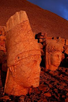 Nemrut.Dagi.7_foto.Ahmet.Findik_Panoramio - Photo explorer