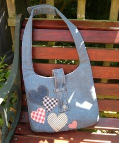 The Second Bag I Made - Part One by Karen at Sew What's New.