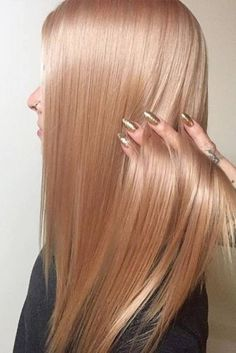 Peach Rose Gold Hair For Blondes Long A rose gold hair color is often spotted on the most popular babes from . Here you will see trendy hues in our gallery. Rose Gold Hair Blonde, Champagne Blonde Hair, Peach Hair, Rose Hair, Peach Rose, Champagne Hair Color, Gold Hair Colors, Ombre Hair Color, Blonde Color