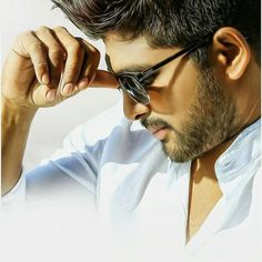 Allu Arjun New 2020 full Hd Wallpapers Best Photo Poses, Good Poses, Poses For Photos, Hd Photos, Actor Picture, Actor Photo, Allu Arjun Hairstyle, Dj Movie, Movie List