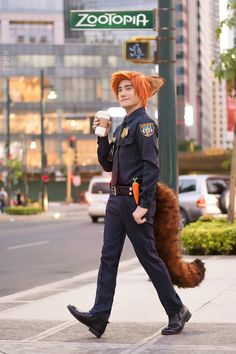 Nick from Zootopia Cosplay by Liui Photographer Lester Castor Photography Cosplay Costumes For Men, Epic Cosplay, Disney Cosplay, Cute Cosplay, Amazing Cosplay, Cosplay Outfits, Liui Aquino, Zootopia Cosplay, Nick Wilde