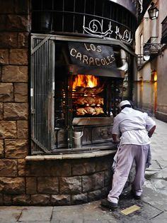 Restaurant in Barcelona. by Arantxa Val on Mexican Restaurant Design, Restaurant Kitchen Design, Rustic Restaurant, Fast Food Restaurant, Restaurant Interior Design, Chicken Bar, Chicken Shop, Commercial Farming, Commercial Kitchen