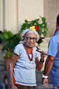 Cuba Havana/Grandma having a smoke - Travel & Artistic Photography ...