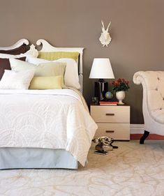 Decorate With Consistency   A gallery of simple ideas to make your slumber zone dreamy.