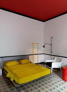 Like Piet Mondrian room. Red ceiling, black lines. Bauhaus Interior, Interior Architecture, Room Interior, Home Decor Bedroom, Bedroom Ideas, Modern Bedroom, Design Bedroom, Bedroom Styles, Bedroom Inspo