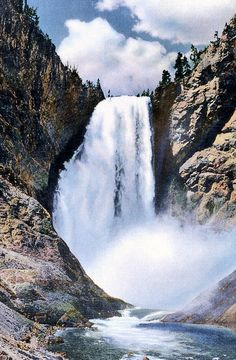 Lower Falls of the Yellowstone, Yellowstone National Park, Wyoming (pinned by haw-creek.com)