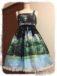 ジャンパースカート、カチューシャのセットです!星やオーロラ、湖など幻想的なプリントが美しいジャンパースカートです。 ウエストのベルベットリボンが上品です♡ブラ... ハンドメイド、手作り、手仕事品の通販・販売・購入ならCreema。