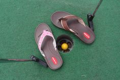 The new #Okabashi Indigo is the perfect #summerfun shoe for men and women! #HoleInOne