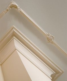 Florence Molding and Ceiling Detail
