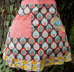 TreadlingHome Traditional Half Apron, Modern/Abstract Apron with Pocket by TreadlingHome on Etsy