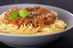 Home Made Spaghetti Sauce Recip - Foody Lover Pork Recipes, Slow Cooker Recipes, Pasta Recipes, Cooking Recipes, Canadian Dishes, Canadian Food, Canadian Recipes, Confort Food, Salad Sauce