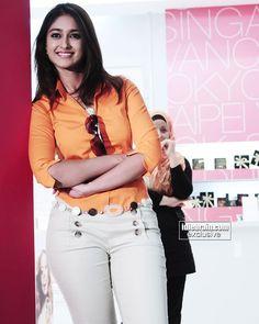 Ileana Sexy Stills in Orange Top - Actress Album Indian Bollywood Actress, Beautiful Bollywood Actress, Bollywood Fashion, Indian Actresses, Bollywood Girls, Bollywood Saree, Beautiful Girl Indian, Most Beautiful Indian Actress, Beautiful Girl Image