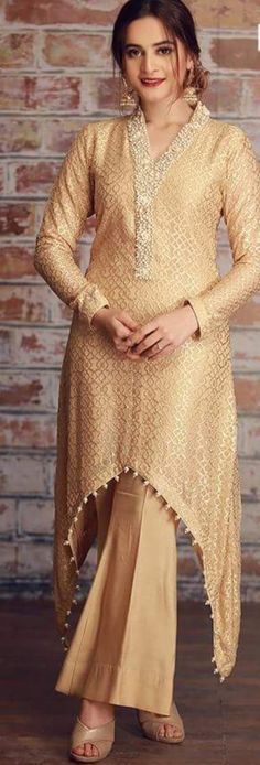 Sweet Aiman looking beautiful Pakistani Dresses, Indian Dresses, Indian Outfits, Hijab Fashion, Boho Fashion, Fashion Dresses, Kurta Designs, Blouse Designs, Kurti Designs Pakistani