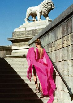 Fantasy Fashion Design: Magdalena Frąckowiak estrella en la edición de enero de ELLE Italia