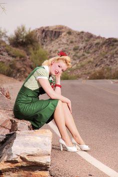 Miss Amanda Lee wearing 40's Pinafore in Shamrock Green from Jitterbuggin.