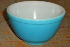 Vintage Bowl Pyrex Nesting Bowl Turquoise Mixing by TheBackShak