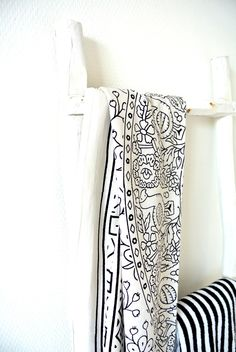 Love this monochrome pattern charlysstyleoflife.blogspot.nl #ethnic #chic
