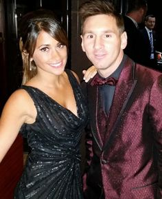 Lionel Messi this morning welcomed his second son with his girlfriend Antonella Roccuzzo. The new born son has been named Mateo. Messi and Antonella are already parents to a son Thiago. Antonella Roccuzzo, Good Soccer Players, Soccer Fans, Lionel Messi, Messi And His Wife, Rugby, Argentina National Team, Football, Fc Barcelona
