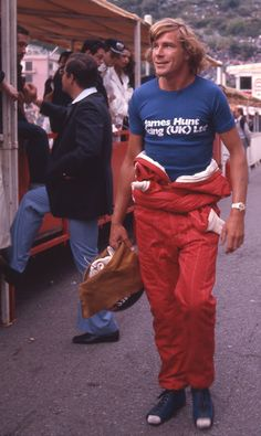 JAMES HUNT... Just note the shoes... A habit those days jus to make sure to not mess with the tunnel and the pedals... Drivers with long feet were disadvantaged .... Lol...