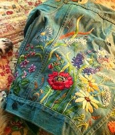 Embroidery Diy Jeans 21 New Ideas Embroidered Denim Jacket, Embellished Jeans, Embroidered Clothes, Denim Jacket Embroidery, Diy Jeans, Diy Kleidung, Denim Ideas, Denim Fashion, Fashion Men