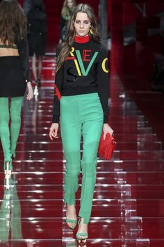 Whole Versace A/W 2015/16 Ready-To-Wear colection is absolutely stunning, but this piece is especially amazing, just look at these trousers!