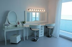 Makeup studio. Minus the vanity on left; theres no need for it with that ORGASMIC table setup!!!!!