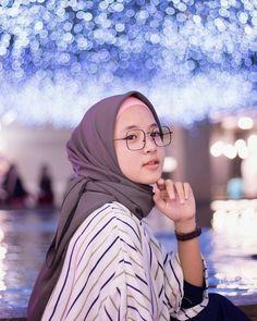 Hijab Niqab, Hijab Chic, Beautiful Muslim Women, Beautiful Hijab, Muslim Women Fashion, Womens Fashion, Video Hijab, Hijab Style Dress, Casual Hijab Outfit